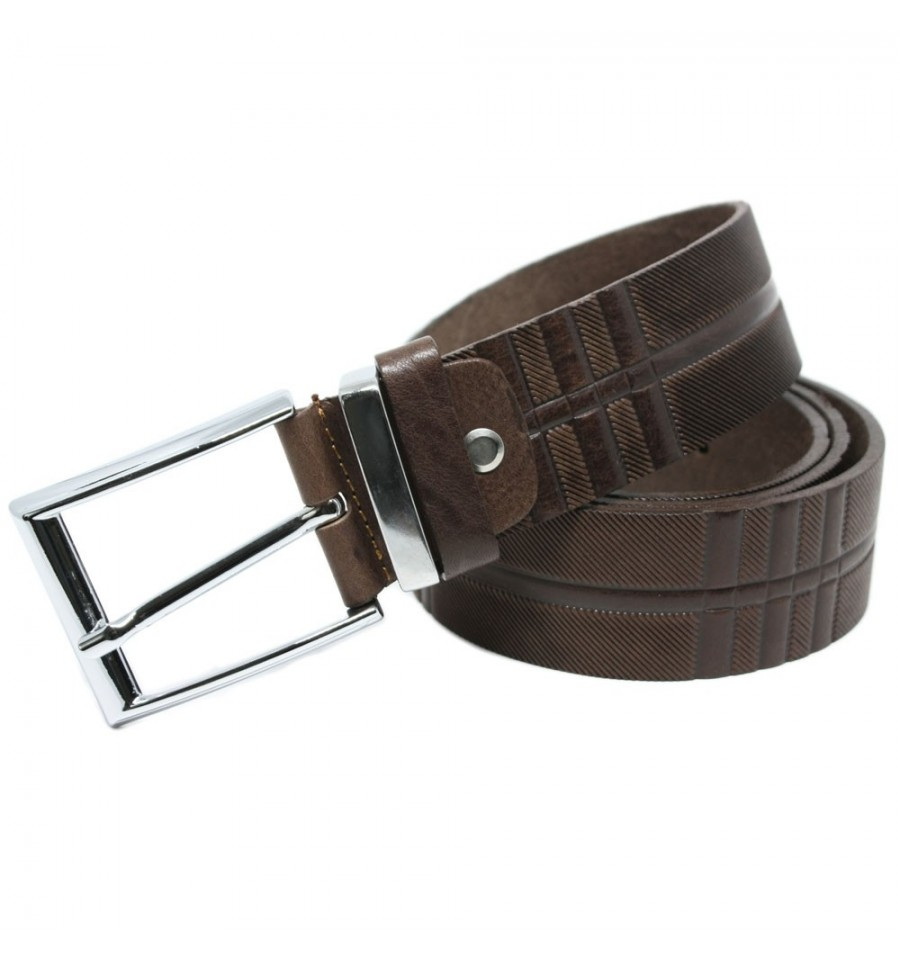 ceinture pour homme en cuir pleine fleur avec une. Black Bedroom Furniture Sets. Home Design Ideas